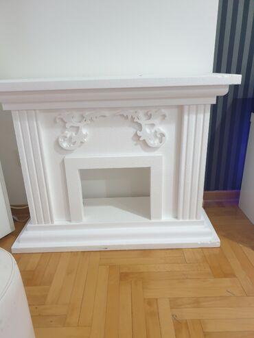Bunda od cincile - Srbija: Kamin dekorativni od stiropora, prodaje se zbog manjka prostora, moze