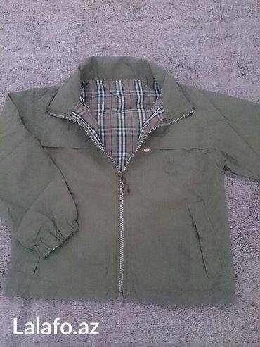 Bakı şəhərində куртка-ветровка двусторонняя (ikiterefli) на 3-4 года