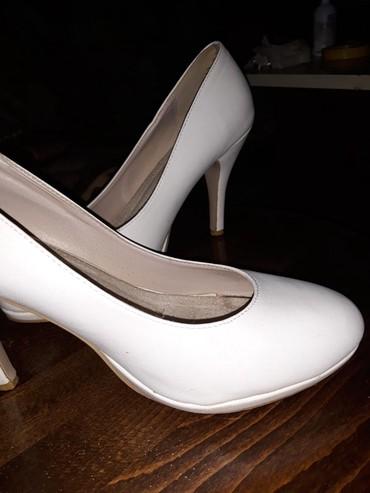 Ženska obuća | Zabalj: Štikle nošene par puta, nisu oštećene, prodajem ih po simboličnoj ceni