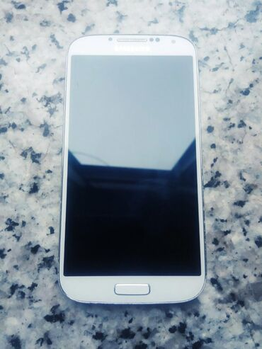 İşlənmiş Samsung I9500 Galaxy S4 16 GB ağ