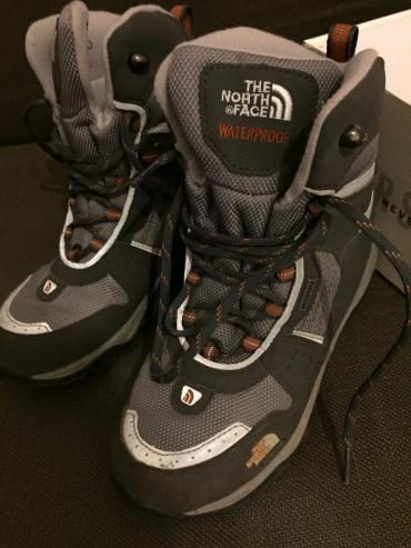 The North Face Boy's Mountain Boots worn once . Perfect condition σε North & East Suburbs