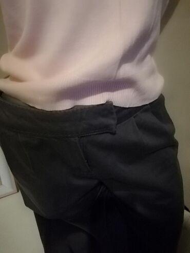 Sive nove pantalone. Kosi đepovi Ima elastina38 MBrendirane Jako
