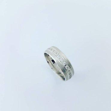 Кольцо из белого золота размер кольца 17. 0 '17. 5 в Бишкек