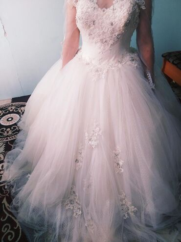 платья kg бишкек в Кыргызстан: Кара балта Свадебные платья бар сатабыз арзан