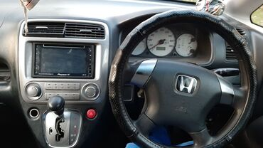 Honda Stream 1.7 л. 2003 | 5555 км