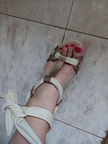Sandale na kaiseveSandala nanula sa drvenim djonom stqbilne i udobne
