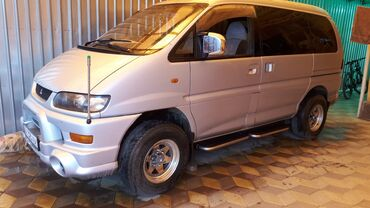 Автомобили - Кызыл-Суу: Mitsubishi Delica 3 л. 2003 | 227 км