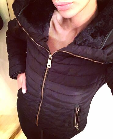 Zimske jakne sa krznom - Srbija: Zara zimska jaknica sa krznom Velicina M Jaknica je postavljena i