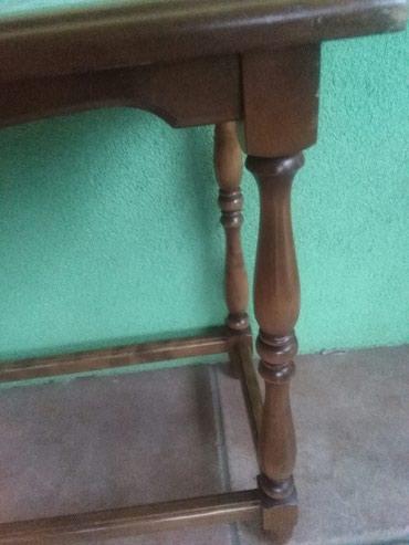 Stolic sa plocicama,puno drvo,presladak detalj u vasem domu - Sombor