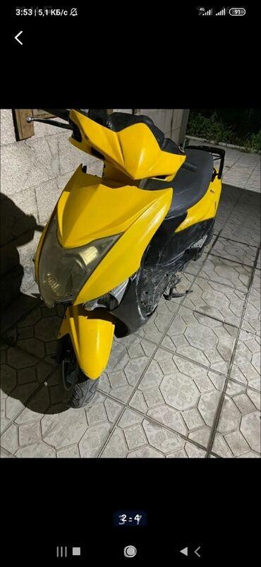 Zongshen - Бишкек: Продаю скутор 125 кубов. Срочно. Нужна замена цепи ГРМ. Пластик весь