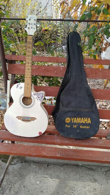 Музыкальные инструменты - Узген: Гитара сатылат баасы 3000 сом тел