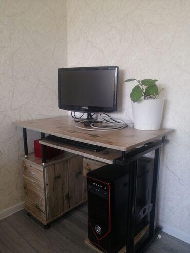 квартиры в караколе снять in Кыргызстан   ПОСУТОЧНАЯ АРЕНДА КВАРТИР: Продаётся компьютер и стол для ПК в г.КараколВсе работает! За все