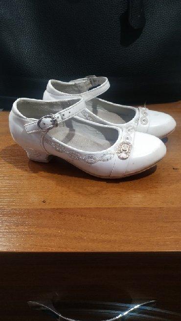замшевые туфли на каблуках в Кыргызстан: Туфли,туфля на девочку 26,27 р.состояние хорошее
