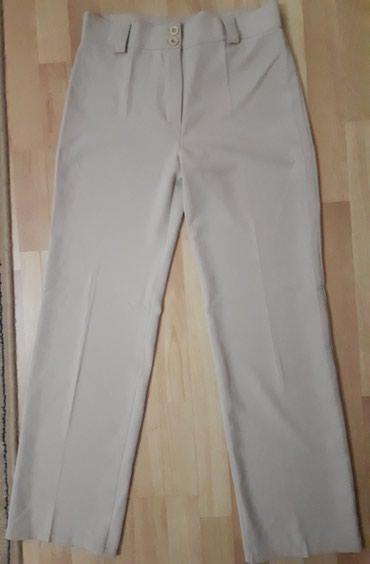 Elegantne pantalone iz francuske, nisu nosene. Odgovaraju br. 40 - Jagodina