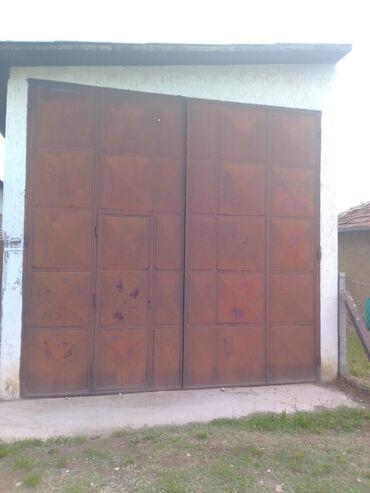 Pismo torbau oker boji na preklop dimenzije - Srbija: Garazna vrata dimenzije 4x4 m.pogodna za kamione i poljoprivrednu