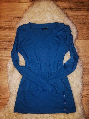 Bluza tunikaVeličina broj 42Dužina 75cmŠirina 50 cmDužina rukava 69 cm