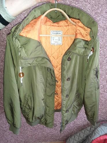женские куртки с капюшоном в Азербайджан: Дутая куртка, на девочку, теплая, с большим капюшоном, привезенная с