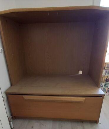 Komoda - Srbija: Ikea komode.Dva komada.Za tv i knjige.6.000 dinara zajedno.Dva dela