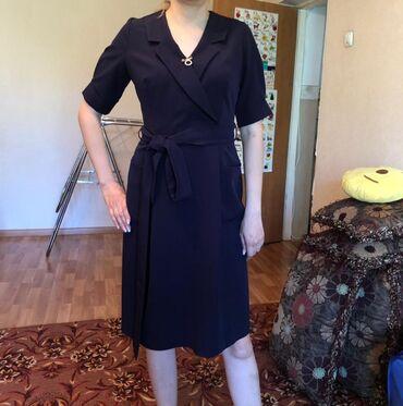 Платье дорогое, красивое, б/у можно и на выход и в офис. Размер М