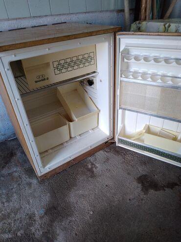Б/у Однокамерный холодильник Snaige