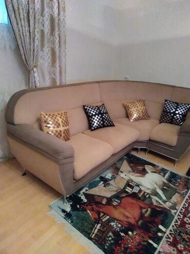 Uqlavoy divan üç hissədən ibarət ağır deyil çox rahat bir yerində prob