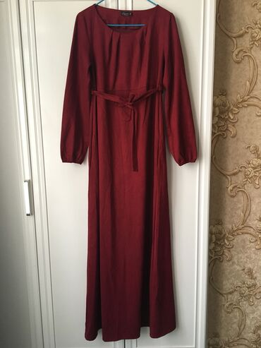 balnye platya na prokat в Кыргызстан: Платье в пол, цвета марсала. Состояние нового. Размер 44, на осень вес