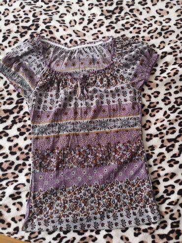 Majica velicina m - Srbija: Lagana majica, kao nova. Odgovara velicini xs-s