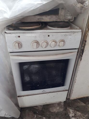 Продаю электро плиту 4х комфорка и духовка не работает отдам за 1000с