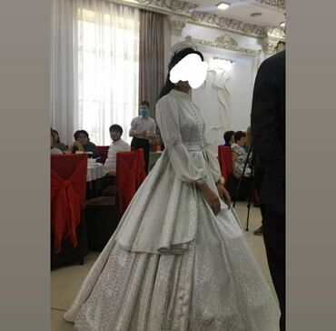 Личные вещи - Ак-Джол: Платье на Келин салам. Было использовано единожды. Головной убор и