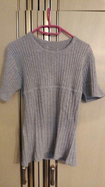 Majica debela kao materijal za dzemper M vel(polovna i ocuvana) - Petrovac na Mlavi