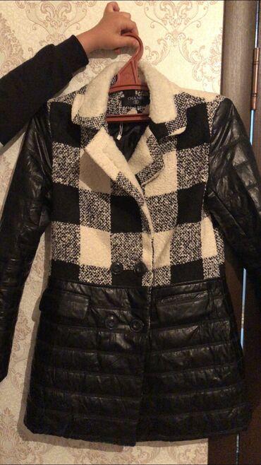 Бредовая пальто.  Очень стильная.  Турция  Размер 42  Цена 3000
