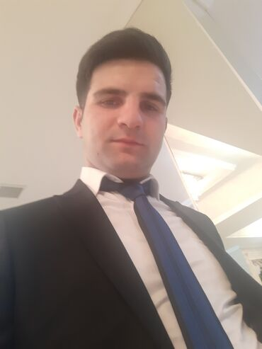 bir qollu paltarlar - Azərbaycan: İşsizem işe ehtiyacım var aileliyem. Bir evladim var Muhafize ve