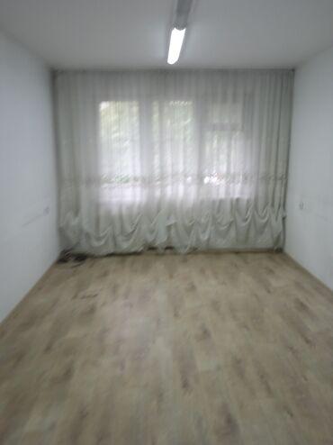 Долгосрочная аренда квартир - 3 комнаты - Бишкек: 3 комнаты, 60 кв. м Без мебели