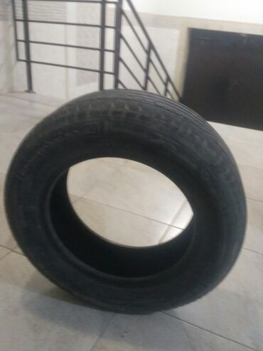 Шины и диски - Бишкек: Продаю шины от машины Субару Импреза4 штук по 1000 сомСостояние б/у
