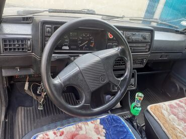 Volkswagen - Кант: Volkswagen Golf V 1.6 л. 1990