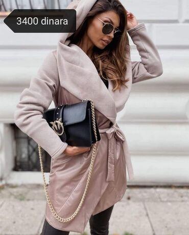 Zenski kaputi i džemper. Cene u okviru slike