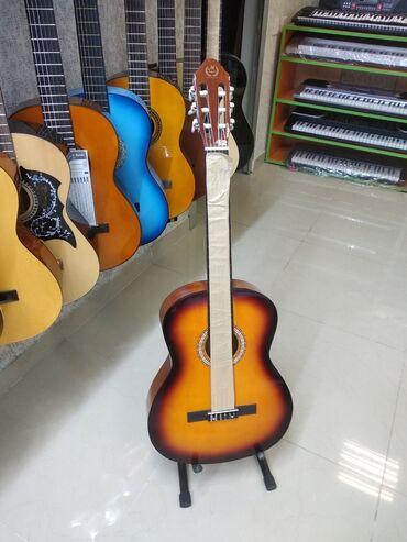 Гитары - Азербайджан: Gitara klassik Tam keyfiyyətli və orginalMüəllim yanına getmək
