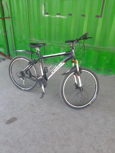 Спорт и хобби - Новопавловка: Продам фирменный велосипед Trek. Алюминиевая рама 17×26 21 скорость. С