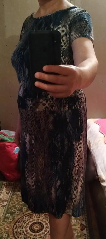 женская платья размер 46 48 в Кыргызстан: Платье женское б/у хорошее состояние.46-48 размер.250сом