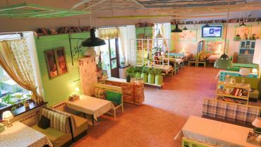 бабочки для декора в Азербайджан: Зонирование в кафе и ресторанах, мебель для ресторановПерегородки и
