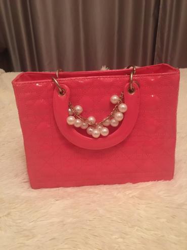 sumka ot dior в Кыргызстан: Продаю стильную сумку dior)