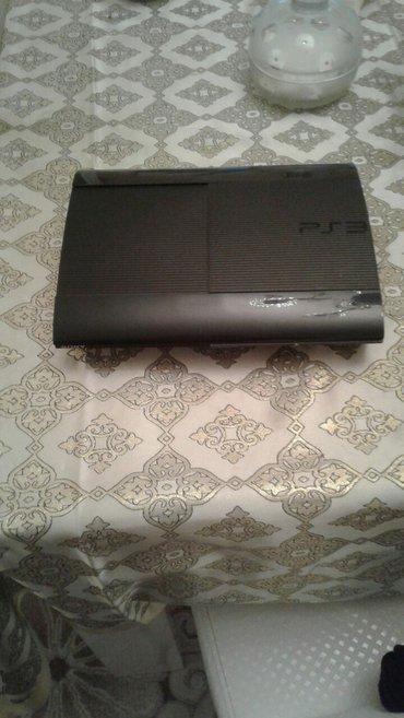 Bakı şəhərində Playstation 3 Super Slim..Yaddasina 20 oyun yazilib..gta5,blur,call of