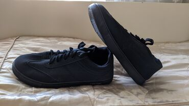 женские черные кроссовки в Азербайджан: Sadəcə 15 AZN Razmer - 40-41-42-43-44