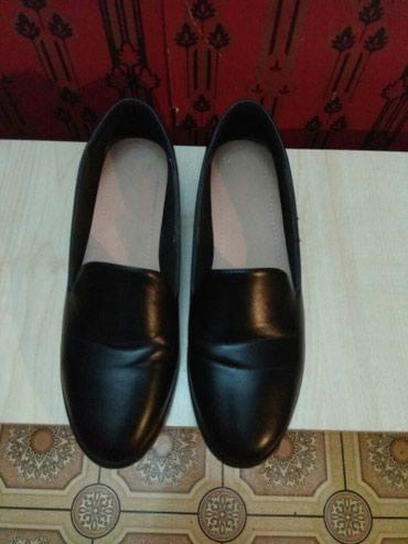 размер 37 маломерки в Кыргызстан: Продаю осенние женские туфли, размер 39, маломерки, на 37 размер