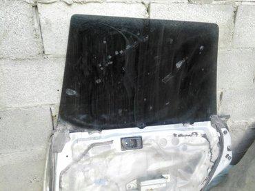 Продаю правое заднее стекло субару форестер чистая в Бишкек