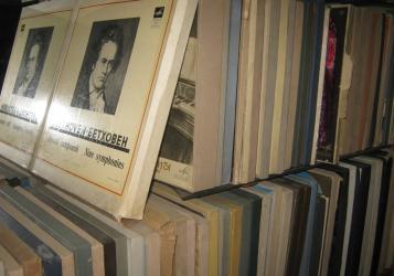 виниловые пластинки в Кыргызстан: Коллекция классической музыки ~ 1650 шт.Все 33 об/мин., 1950-80-х