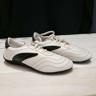 В тхэквондо без специальной обуви невозможно заниматься, а у нас вы
