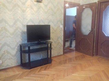 Bakı şəhərində Ev satilir 5 mik_on acami metrosunun yaninda 3 otagli super remont 5 m