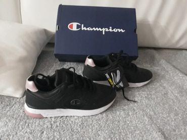 Ženska patike i atletske cipele | Smederevo: Nove champion zenske patike broj 36. Crne sa roze detaljima. Prodaja