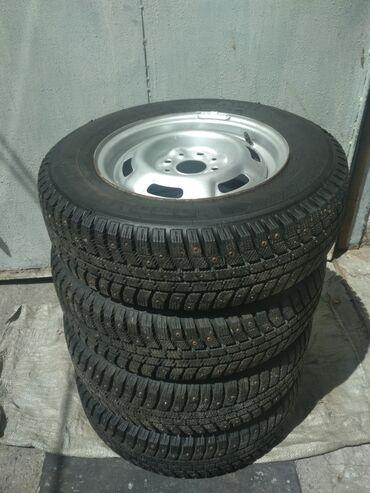 шины б у 13 радиус в Кыргызстан: Зимняя колеса разболтовка диска 4*98 размер резины 175/70 R13